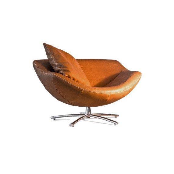 Gigi Swivel Chair. Gigi In Indian Buffel Naturel