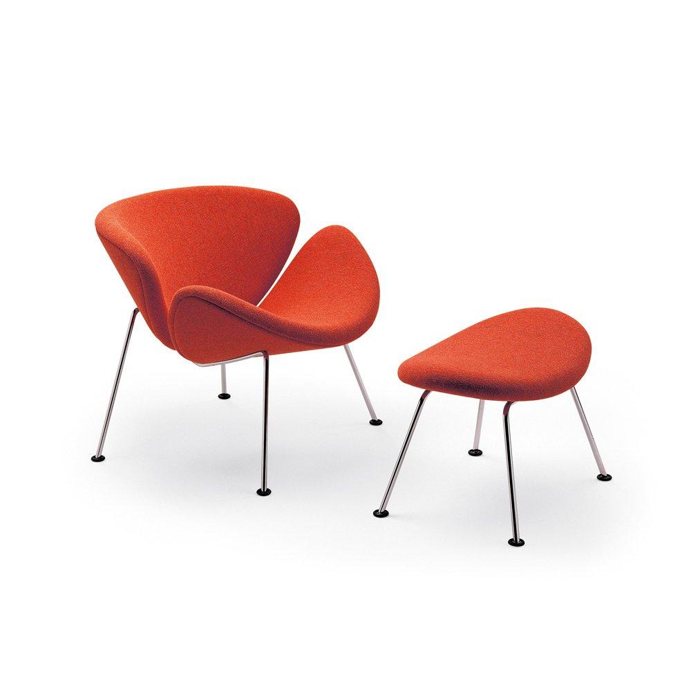 Orange Slice Lounge Chair And Ottoman ·  Artifort_OrangeSlice_R02_04H_Photoby_Anki_Wijnen_Zilverblauw